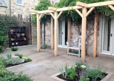 Courtyard_gardens_01
