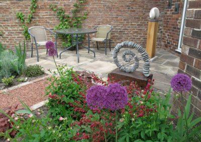 Courtyard_gardens_09