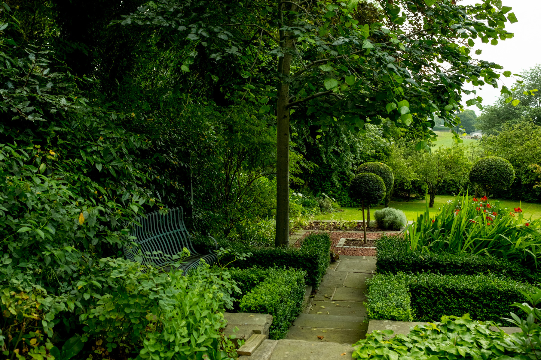 Garden design and build in yorkshire for Garden design yorkshire