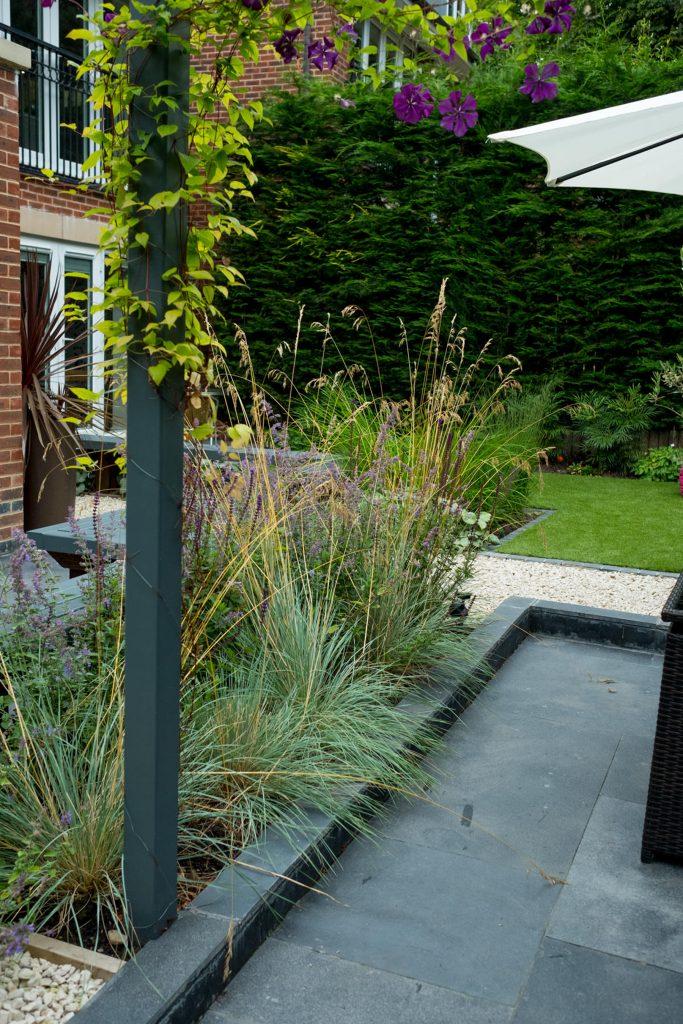 Contemporary pergola. Garden design and build, Leeds