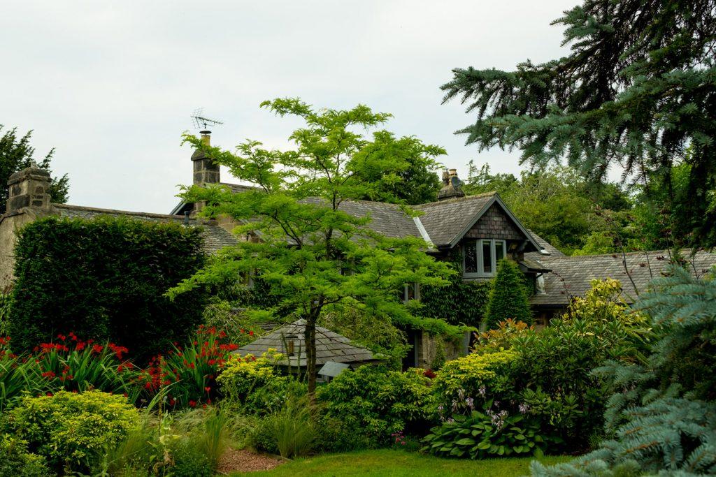 Formal English garden. Harrogate Garden design and build
