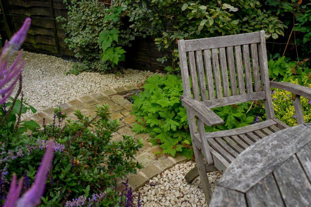 Gravel garden with geranium